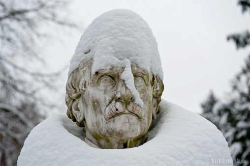 Schneemann - Pragfriedhof